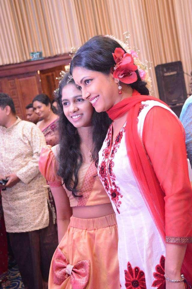 Tharushi Perera Wedding Day Photos Collection 02