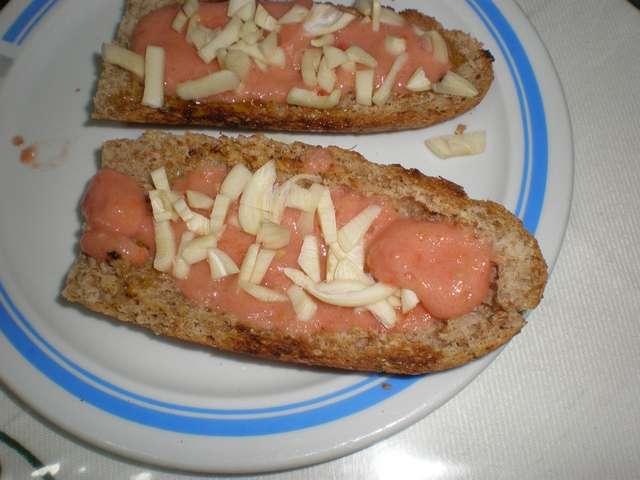 sl743 - Tostada de tomate y ajo