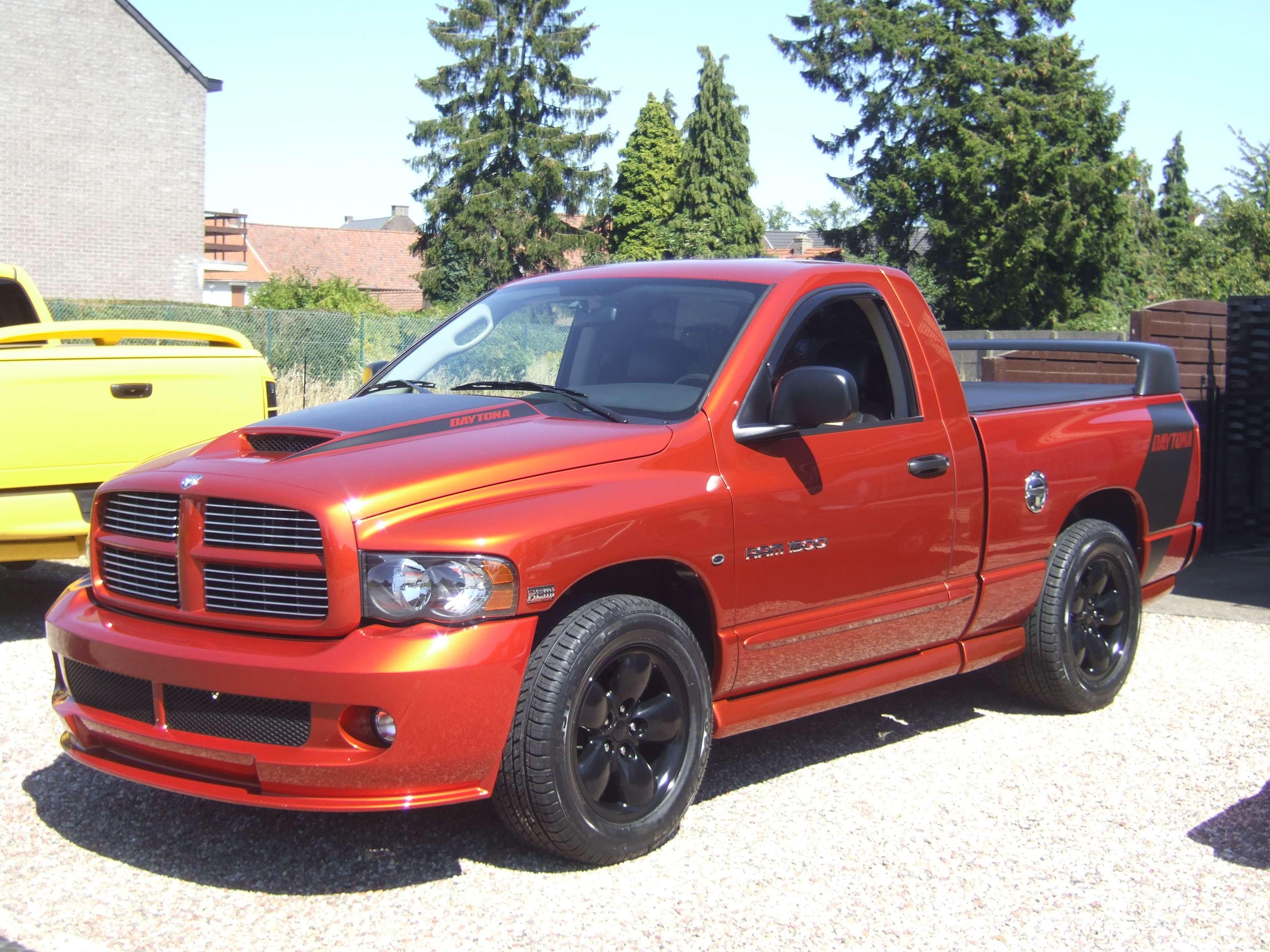 Dscf X on 2005 Dodge Ram Tailgate